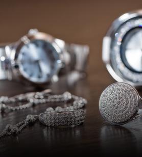 Colliers chevalieres bracelets et montres