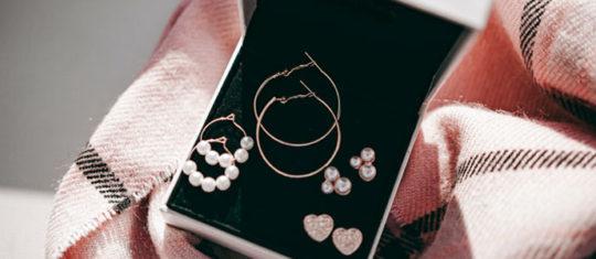 Genre de bijoux